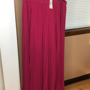 Torrid pleated maxi skirt size 0/12 NWT